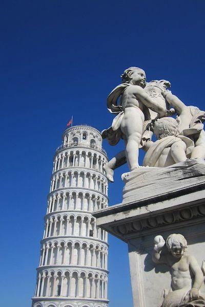 La tour de Pisa, symbole de la Toscane, photographié par milliers de personnes. Photo de María Calvo.
