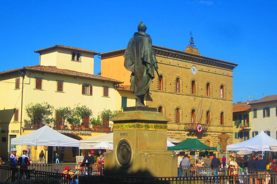 Le beau village de Greve in Chianti, avec sa grande place.