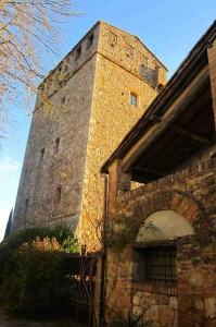 Vous pouvez séjourner dans une tour médiévale en Toscane, un vrai hébergement de charme.  Ⓒ María Calvo.