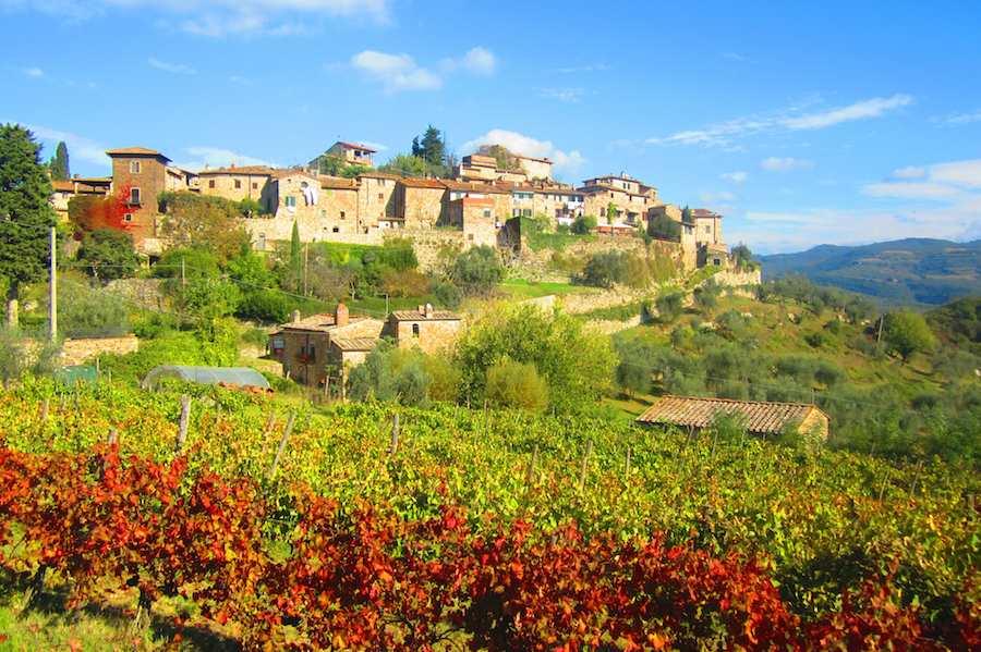 Le ravissant village de Montefioralle, qui a conservé intacte sa structure médiévale. Ⓒ María Calvo.
